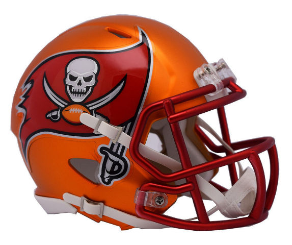 TAMPA BAY BUCCANEERS 2017 Riddell NFL Blaze Alternate Speed Mini Football Helmet