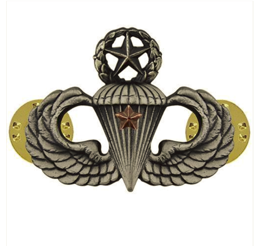 Vanguard ARMY BADGE: MASTER COMBAT PARACHUTE FIRST AWARD - SILVER OXIDIZED