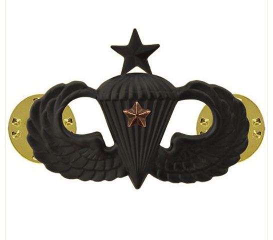 Vanguard ARMY BADGE: SENIOR COMBAT PARACHUTE FIRST AWARD - BLACK METAL
