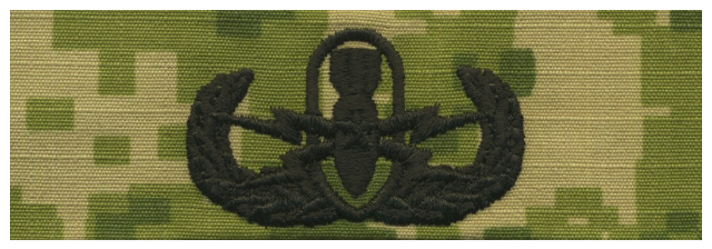 Vanguard NAVY EMBROIDERED BADGE: SENIOR E.O.D. - WOODLAND DIGITAL