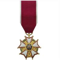Vanguard (Mini) Miniature Legion of Merit Military Medal Award (LOM)