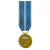 Vanguard MINIATURE MEDAL: KOREAN SERVICE - 24K GOLD PLATED
