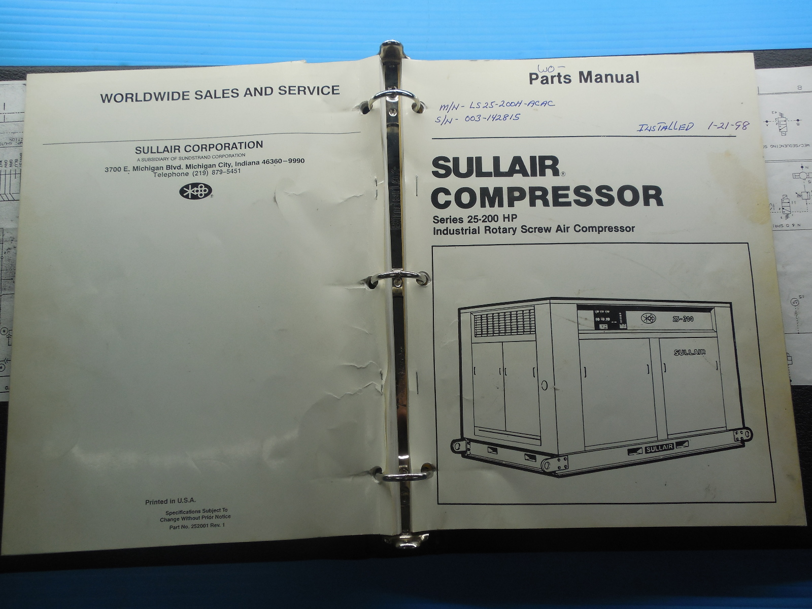 SULLAIR INDUSTRIAL ROTARY SCREW AIR COMPRESSOR OPERATOR'S MANUAL AND PARTS  LIST