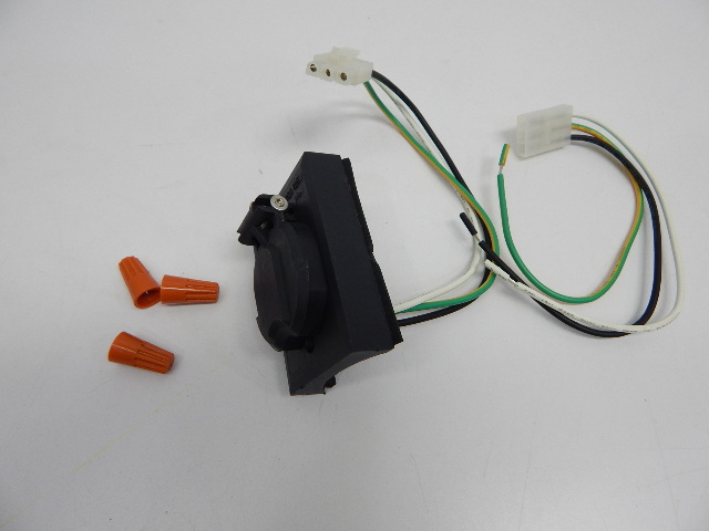 Plastic Electrical Outlet Receptacle