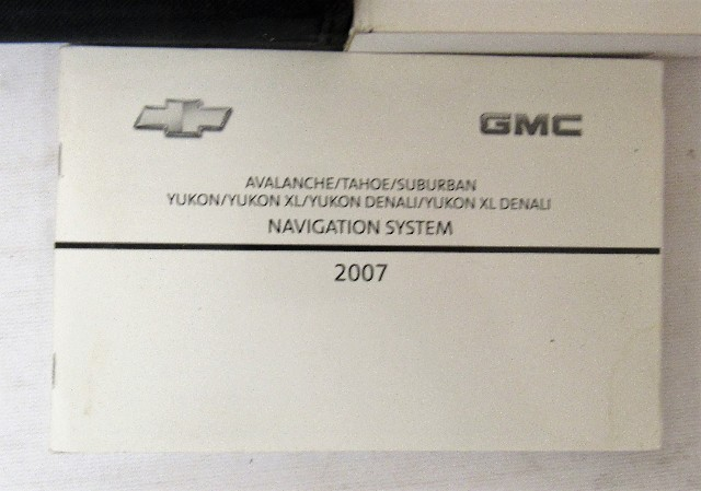 2007 chevy chevrolet tahoe suburban owners manual guide book ebay rh ebay com 2007 chevrolet tahoe suburban owners manual 2010 suburban owners manual