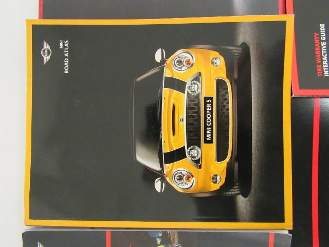 2010 mini cooper convertible owners manual book ebay rh ebay com 2007 Mini Cooper 2011 Mini Cooper