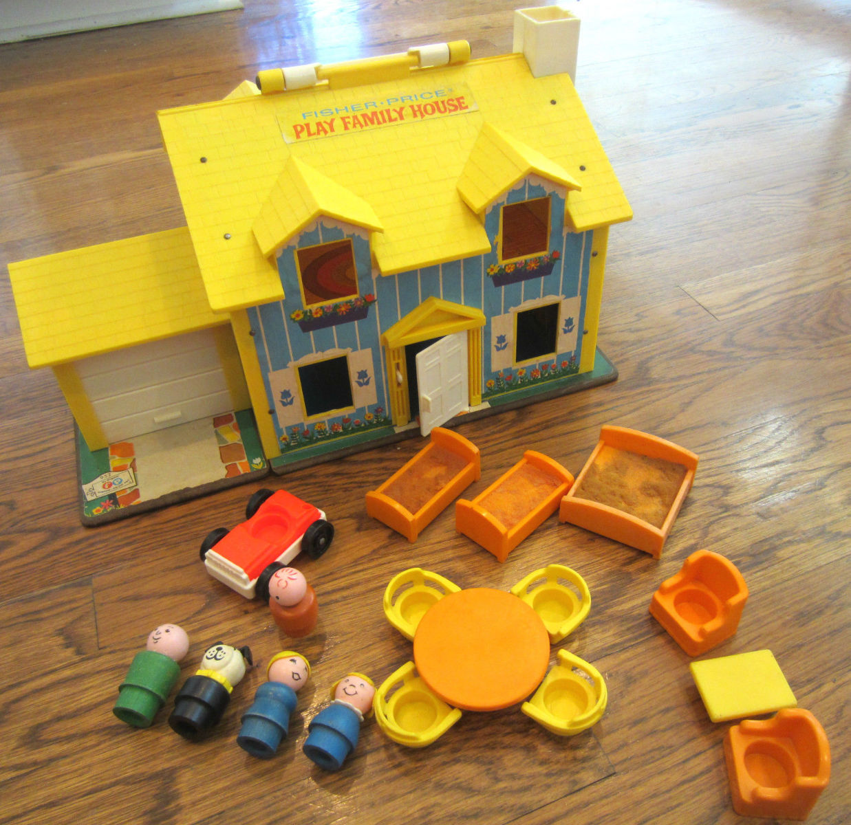 Details About Vtg 1969 Fisher Price Play Family House Little People 952 Lot