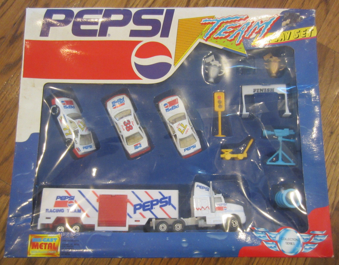 Vintage Pepsi-Cola Play Set Die-Cast Metal Cola Semi Truck Car Accessory box set