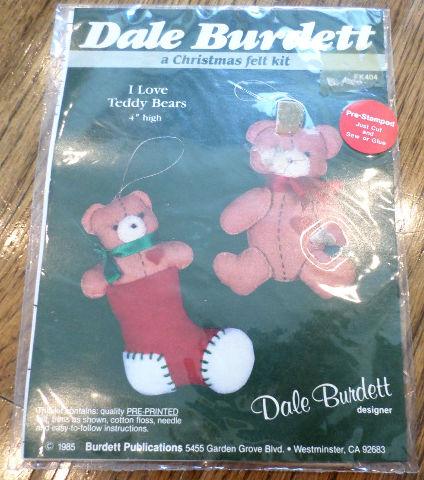 """Dale Burdett I Love Teddy Bears 4"""" High 1985 Fk404 Christmas Felt Kit"""