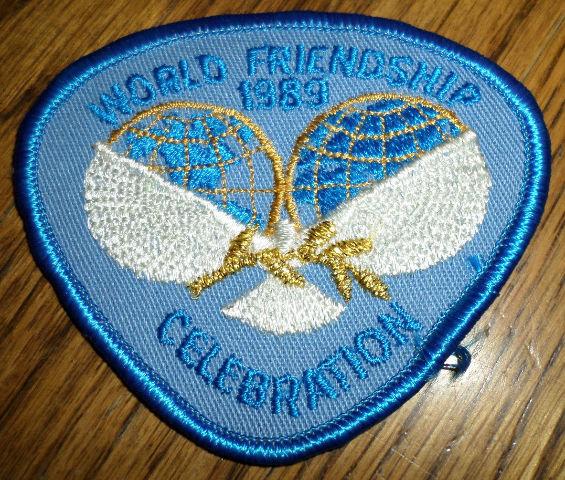 Girl Scouts Gs Vintage Uniform Patch World Friendship 1989 Celebration Dove