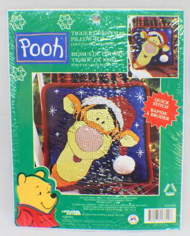 Disney Winnie the Pooh Santa Tigger Pillow Topper Kit Leisure Arts