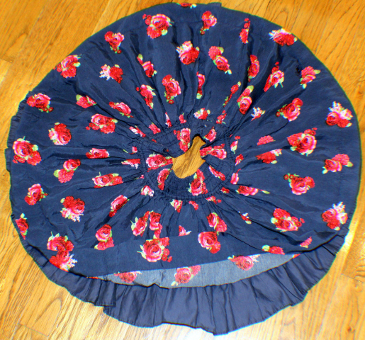 Abercrombie & Fitch A & F Full Circle Roses On Navy Ruffle Lined Skirt Sz Small