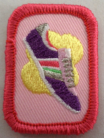 Retired Oval Girl Scout On Track Gs Uniform Patch Senior Cadette