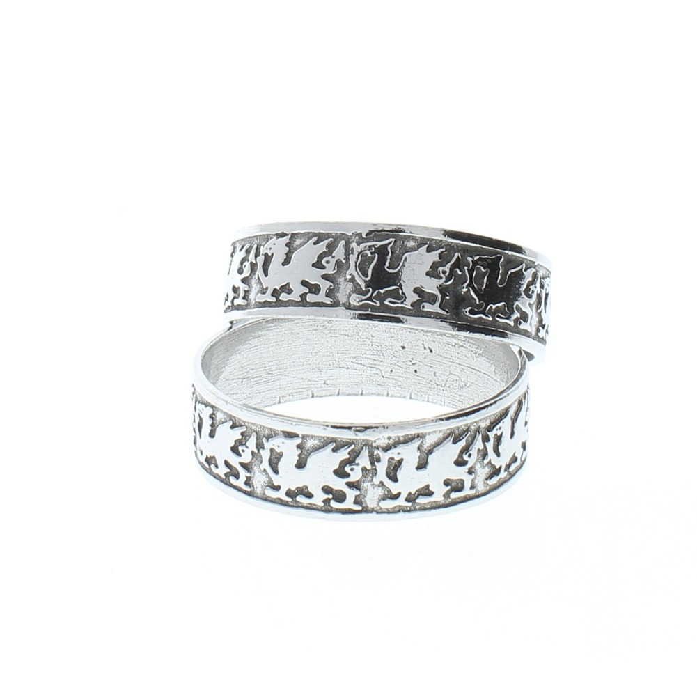 A.E. Williams Pewter Welsh Dragon Serviette Rings in Velveteen Pouch