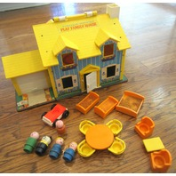 VTG 1969 Fisher Price Play Family House Little People #952 Lot
