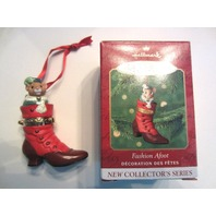 Hallmark Keepsake Ornament 2000 Fashion Afoot #1 Mouse In A Shoe