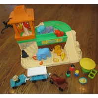 1984 Fisher Price Little People Zoo #916 Animals Tram