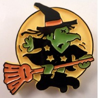 Hallmark Hat Lapel Pin Halloween Witch On A Broom With The Moon  1982