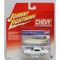 Johnny Lightning Chevy High Performance 1968 Chevellle SS White