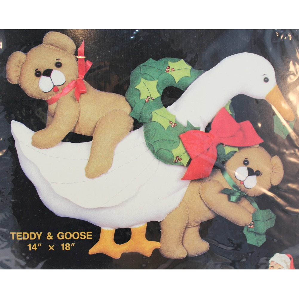 "Titan Needlecraft 365 Felt Wallhanging Kit Teddy and Goose 14"" x 18"" new set"
