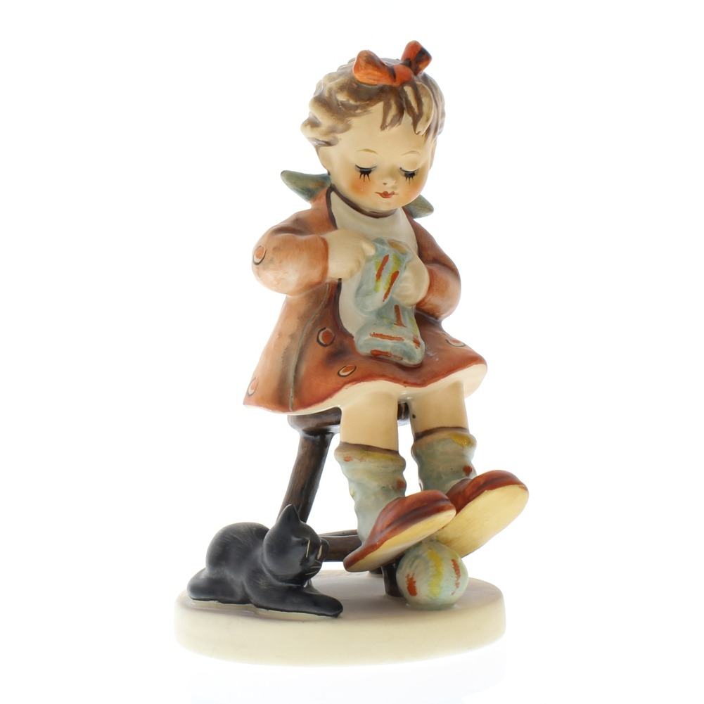 Goebel Hummel Figurine #133 Mother's Helper TMK 5 Girl Darning Sock