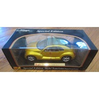Maisto - Chrysler Pronto Cruizer Original Concept - Gold- Lqqk- W/Box- 1:18 - Mf