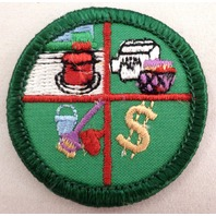 Retired Girl Scouts Junior Badge Patch~2000-2011~Family Living Skills