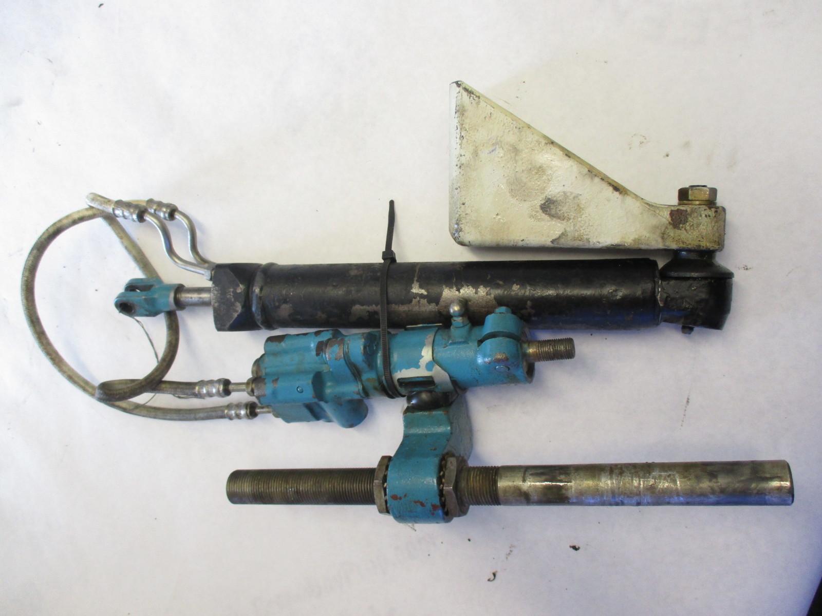 0982559 OMC Chevy V6 V8 Stringer Power Steering Actuator Assembly 983732 982080