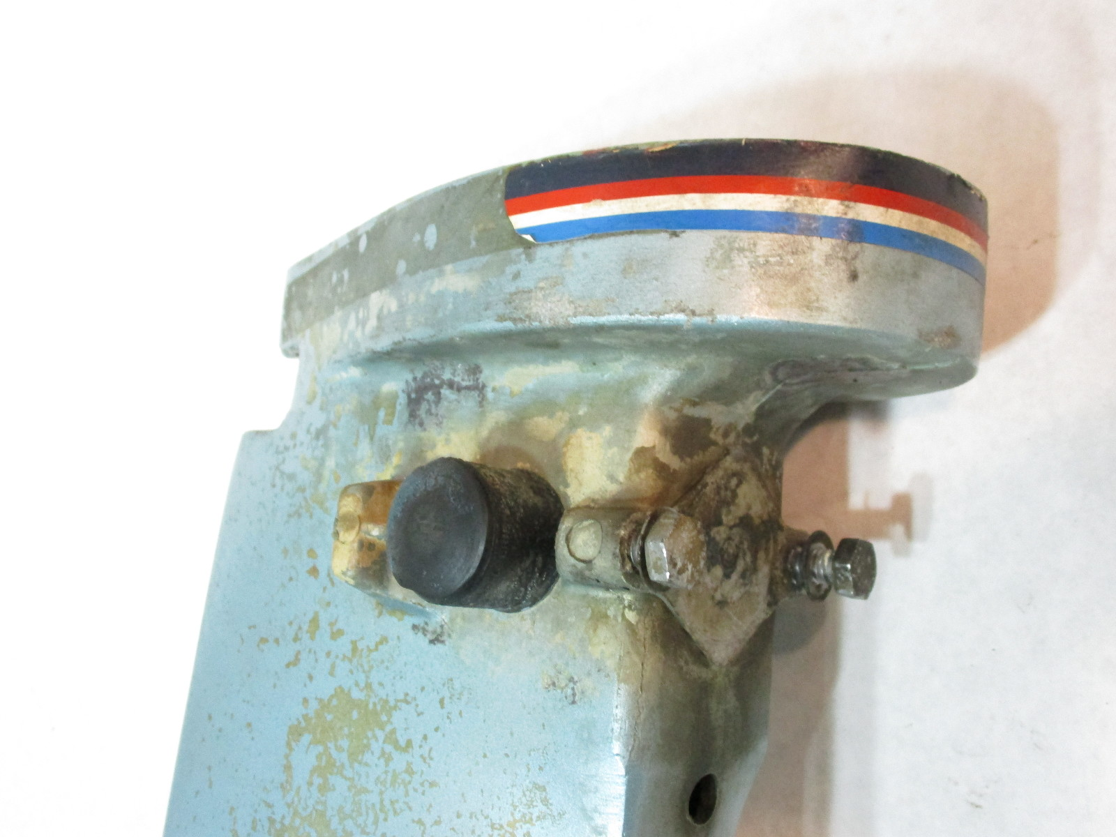 0391140 Evinrude Johnson 25 Hp Outboard Exhaust Housing 1981