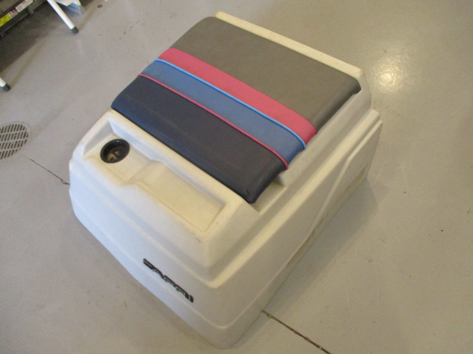 Incredible 1989 Bayliner Capri Engine Cover Motor Cap 28 D X 30 W X Caraccident5 Cool Chair Designs And Ideas Caraccident5Info