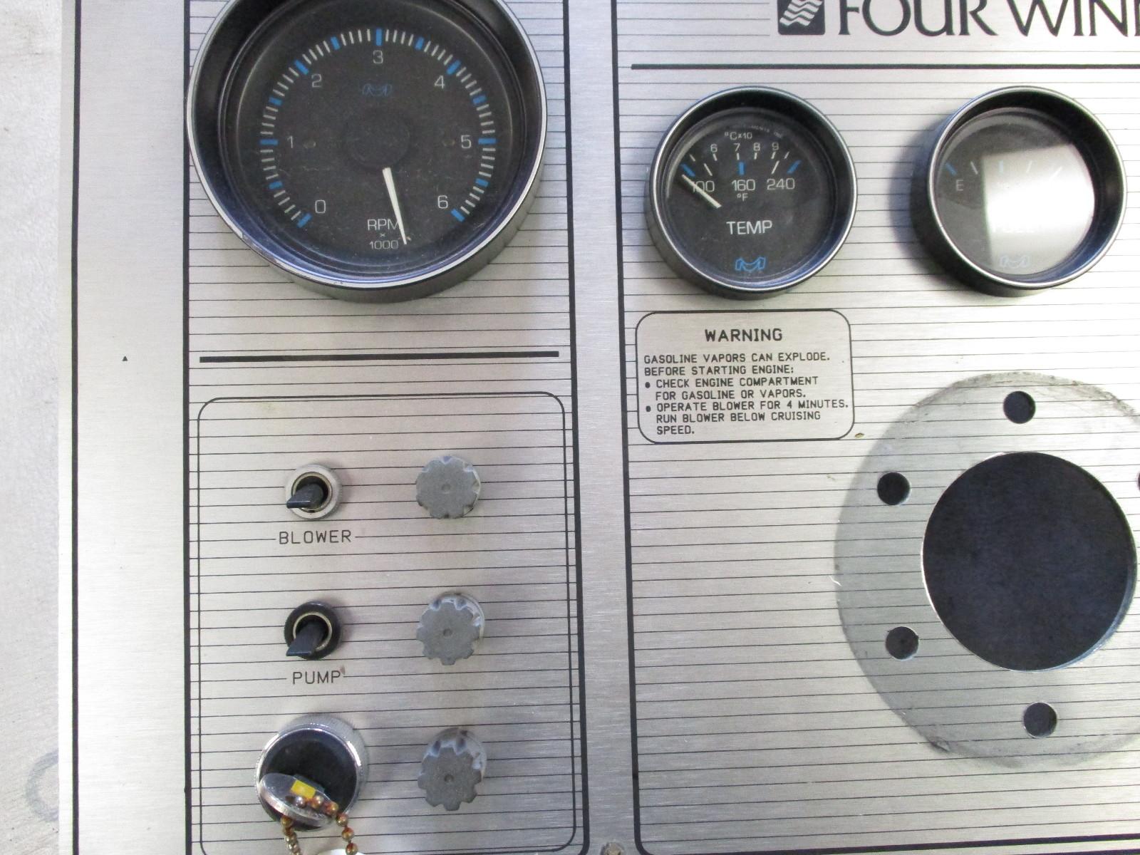 1988 Four Winns 160 Freedom Marine Boat Dash Panel & Gauges Switches