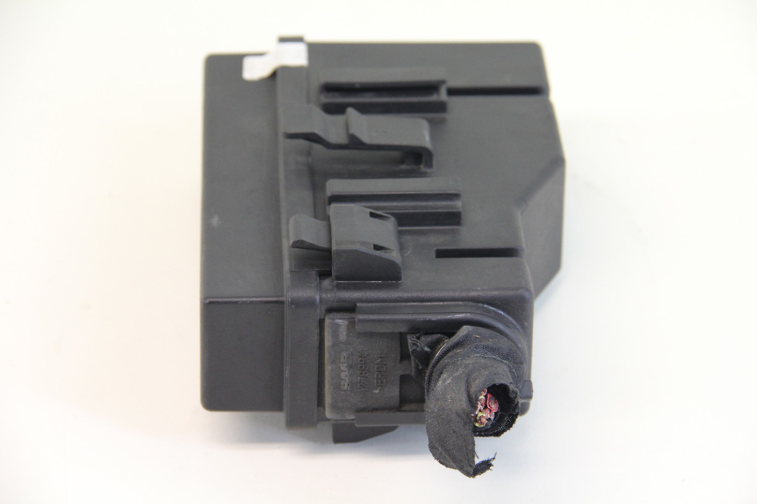 ... Saab 9-3 Convertible 08-11 Secondary Battery Tray Under Hood Fuse Box 12