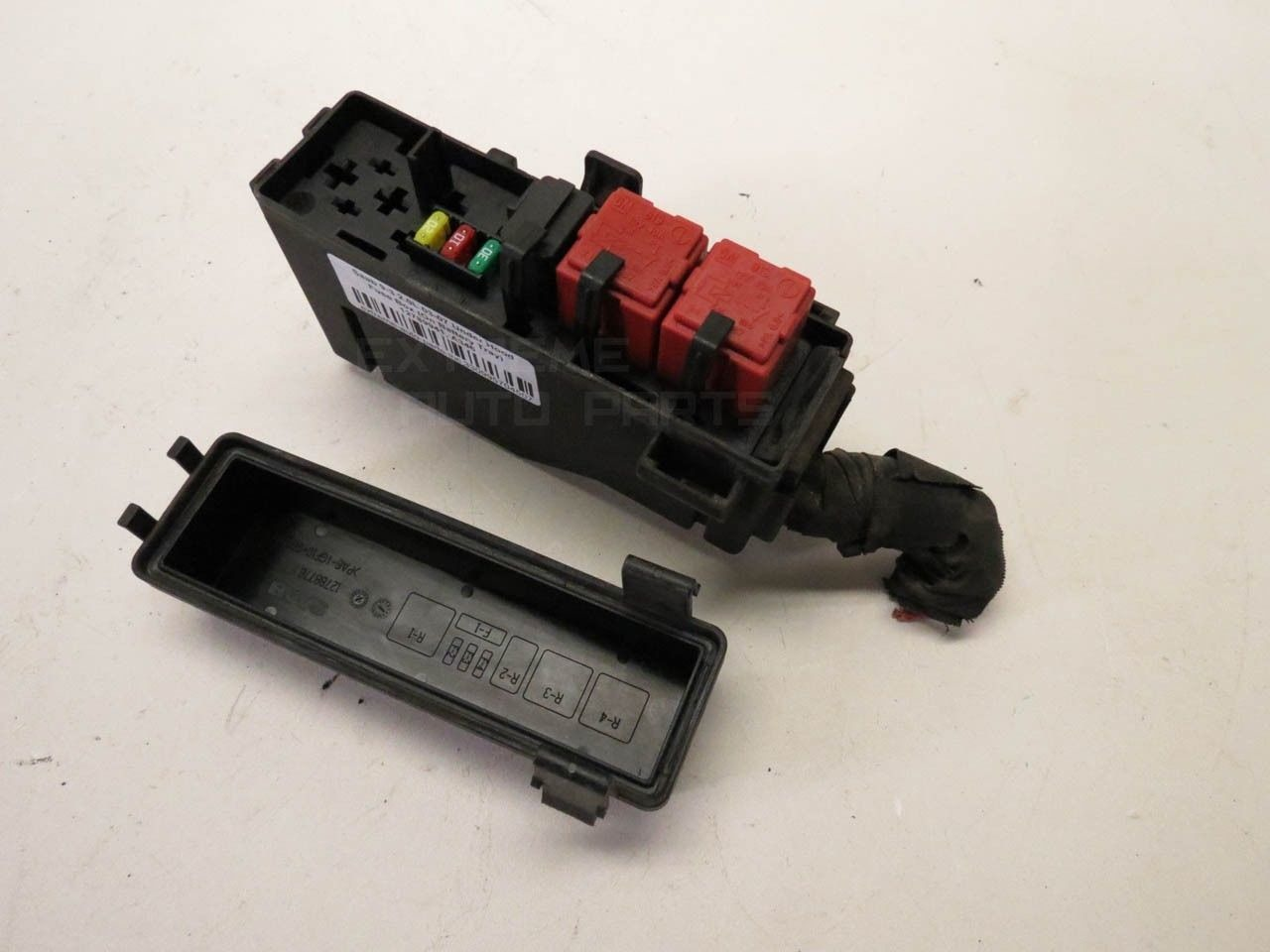 ... Saab 9-3 12788777 Secondary Under Hood Fuse Box (On Battery Tray) 03