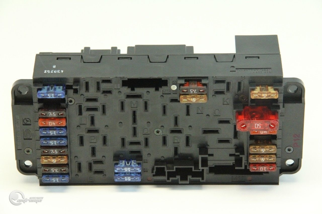 Mercedes C230 Fuse Box 03 05 Under Hood Relax Block Front Left 2095450001