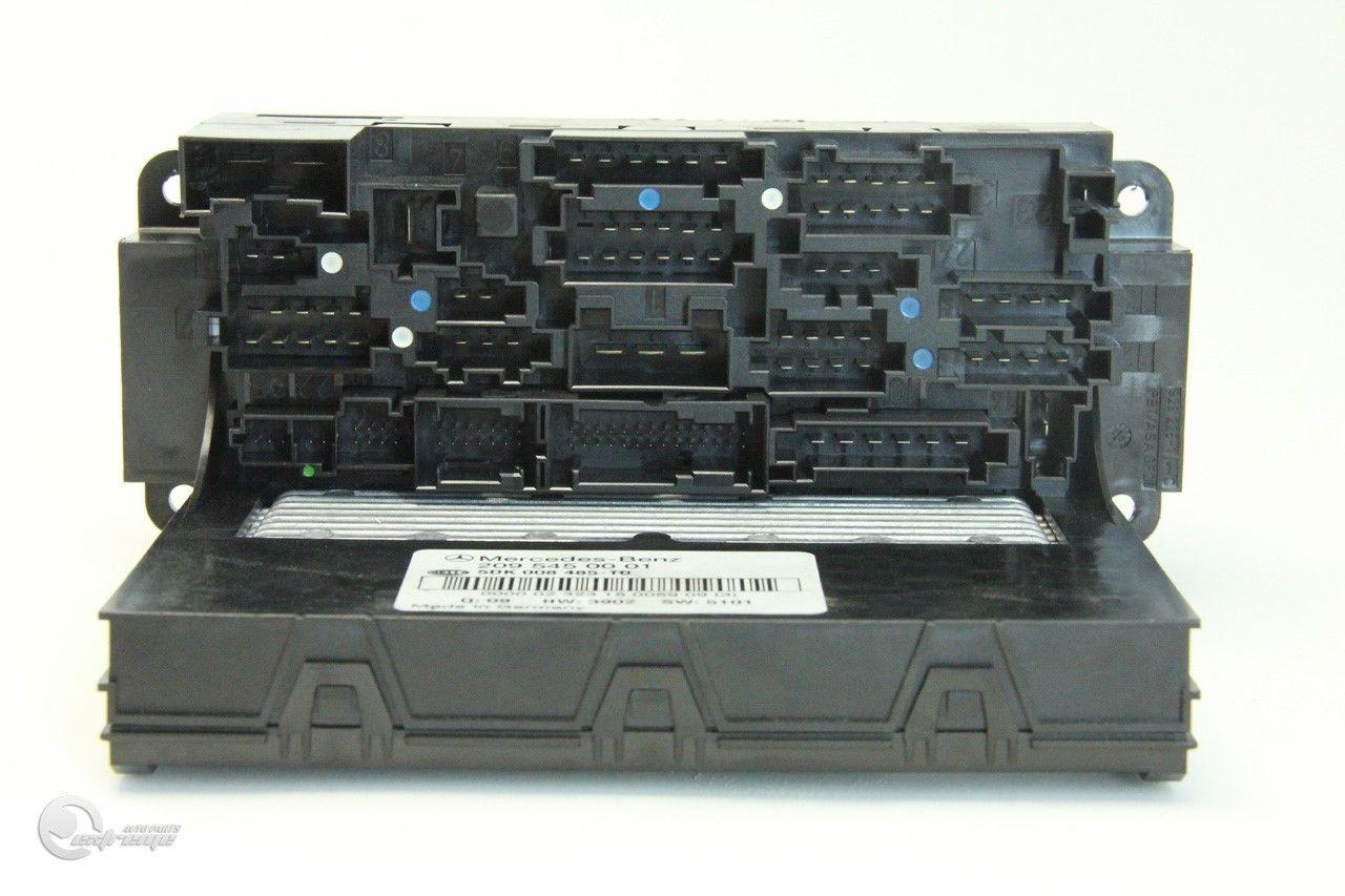 Mercedes C230 03 05 Under Hood Fuse Relax Box Block Front Left 2095450001
