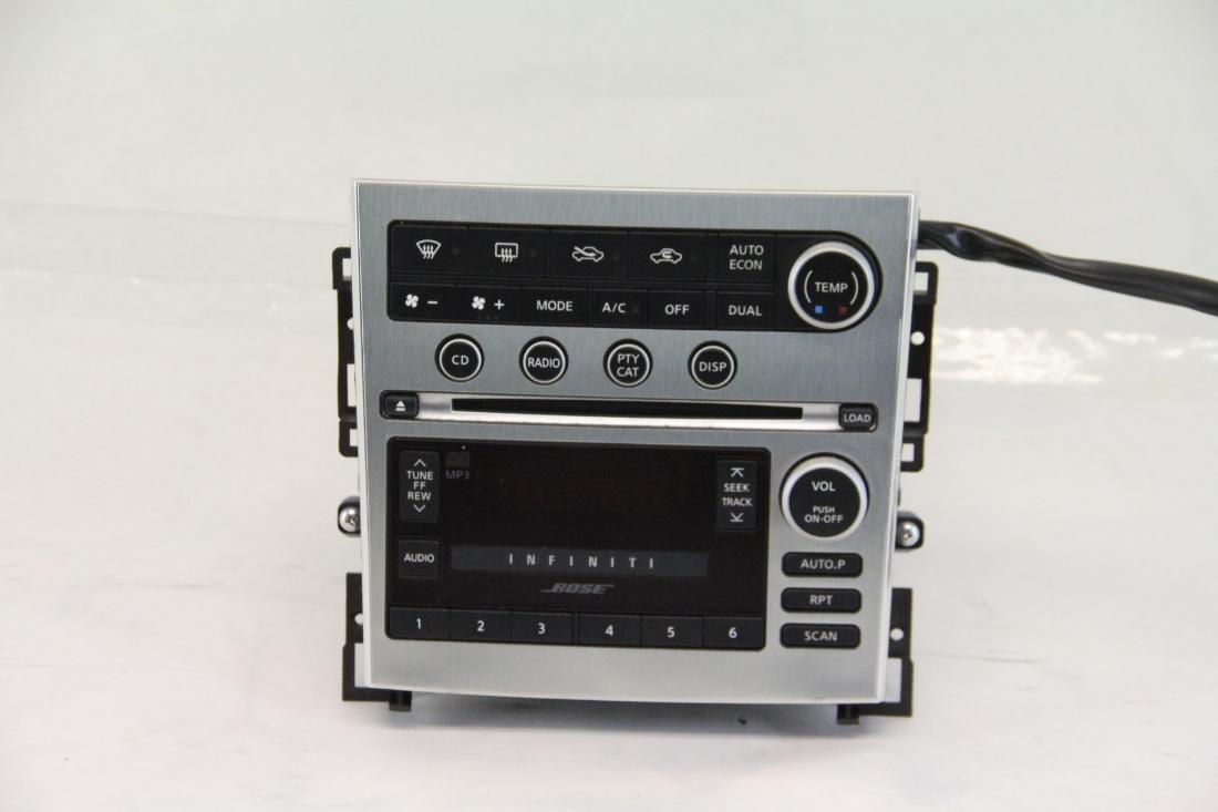 Infiniti G35 Bose 6 Disc CD AM/FM Player, Climate Control 28185-CM30A OEM 07