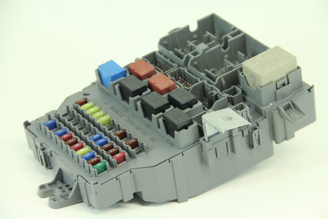 ... Honda Accord Sedan LX 03-05 Interior Fuse Box Relay 38200-SDA-A01
