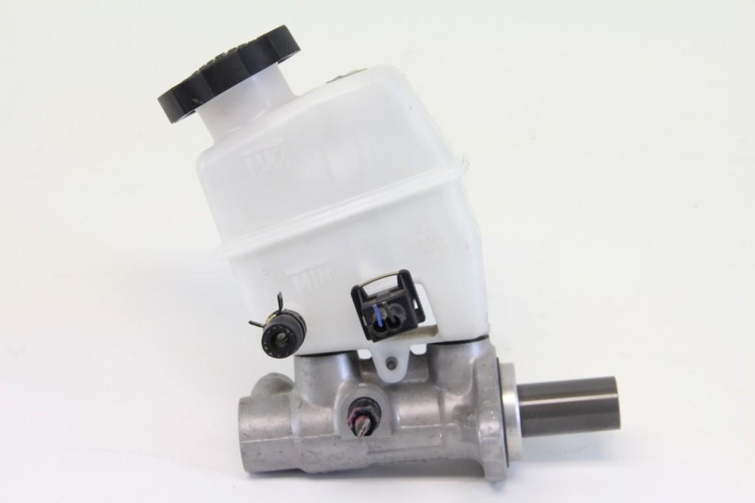Kia Optima Hybrid 11 12 13 Brake Master Cylinder 58500 4R102 OEM