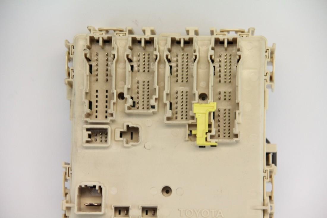 ... Scion tC Interior Under Dash Relay Fuse Box, 11-16, 89221-21040 ...