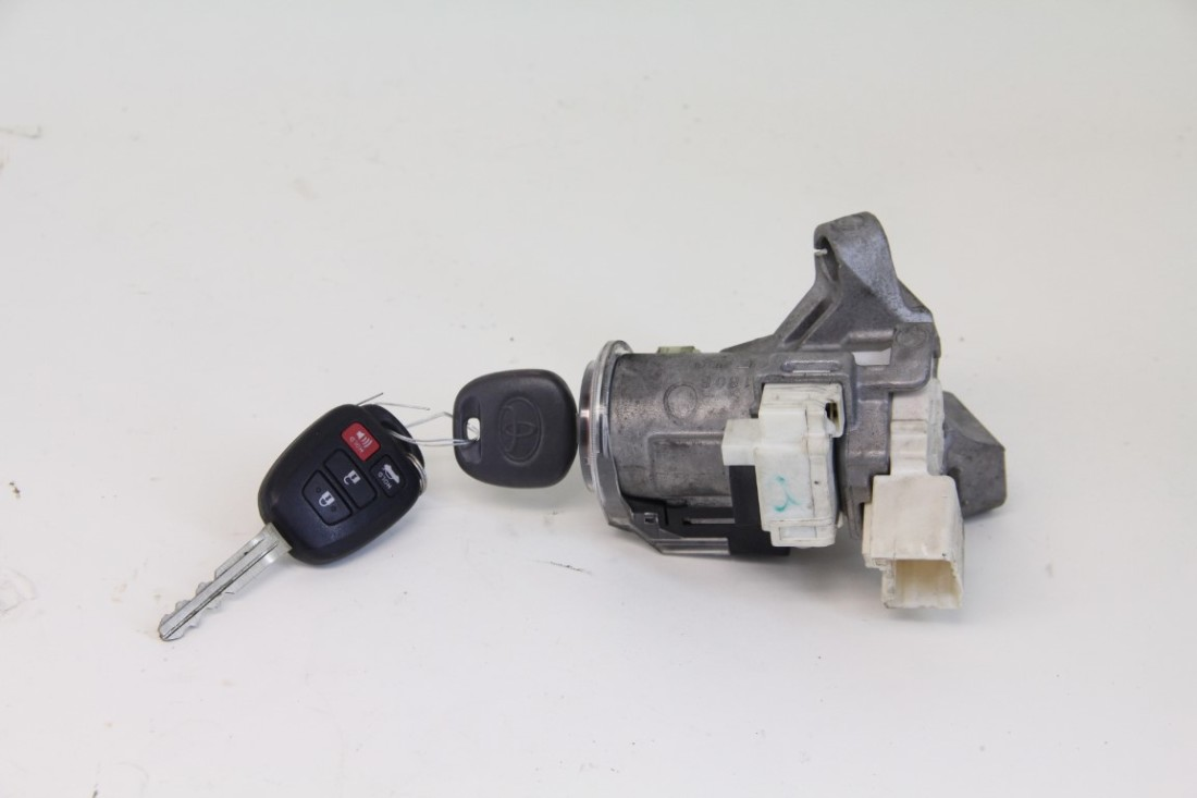 Toyota Camry 4Cyl. 2.5L Ignition Switch, w/ Remote Key A/T 12 13 14 15 16