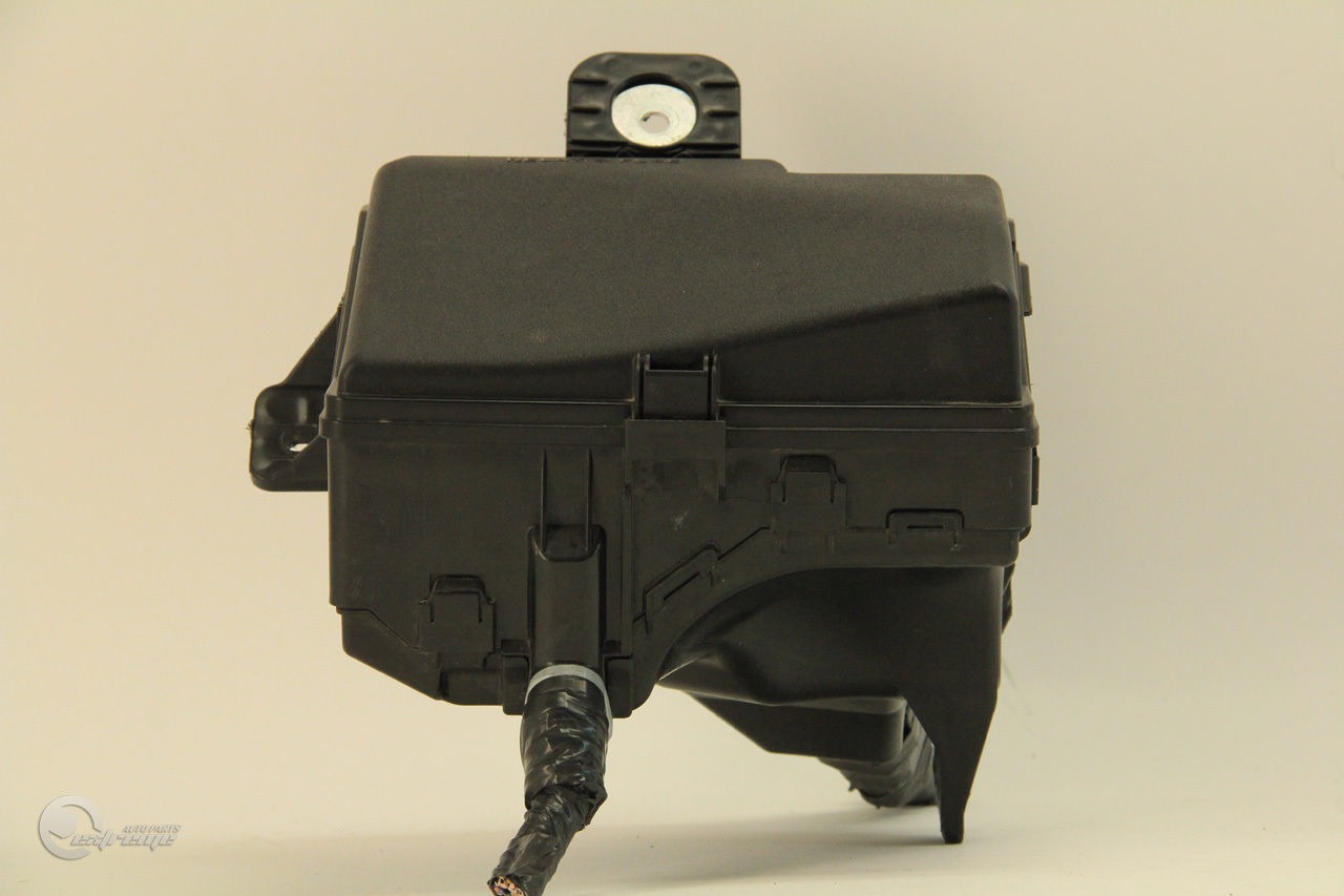 ... Toyota Prius C Model 13 14 Under Hood Relay Fuse Box Block Wire Harness  ...