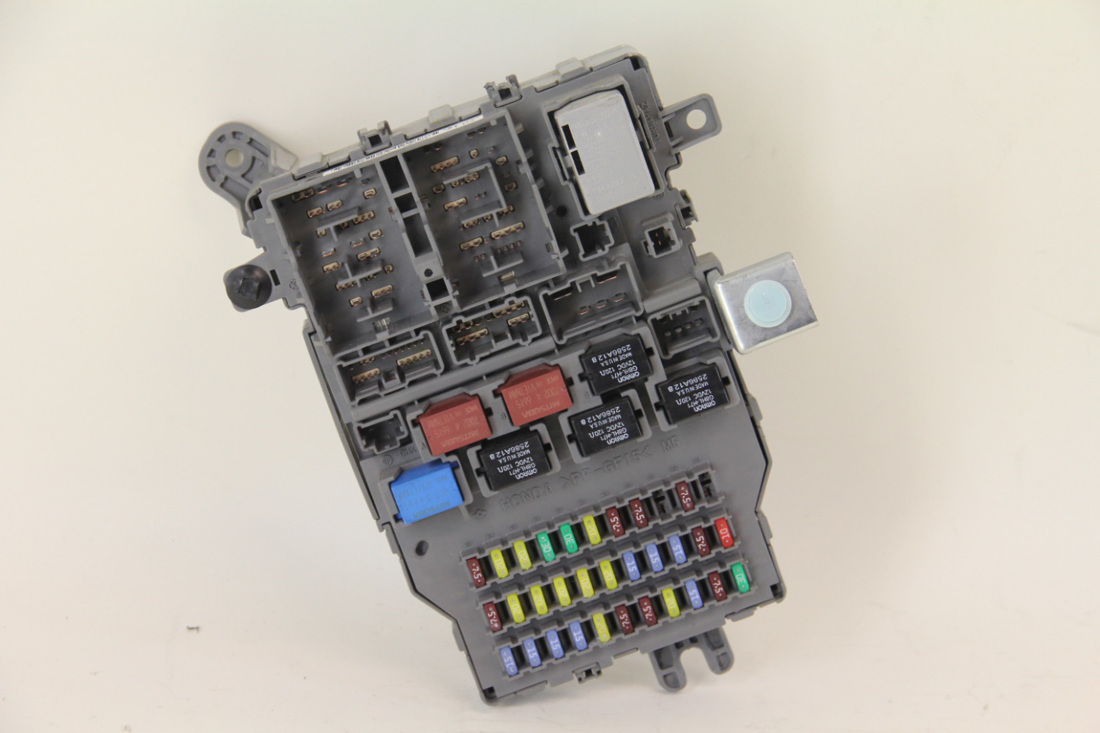 Acura TL Type-S 2007, Rear Fuse Box Junction Unit Assembly, ...
