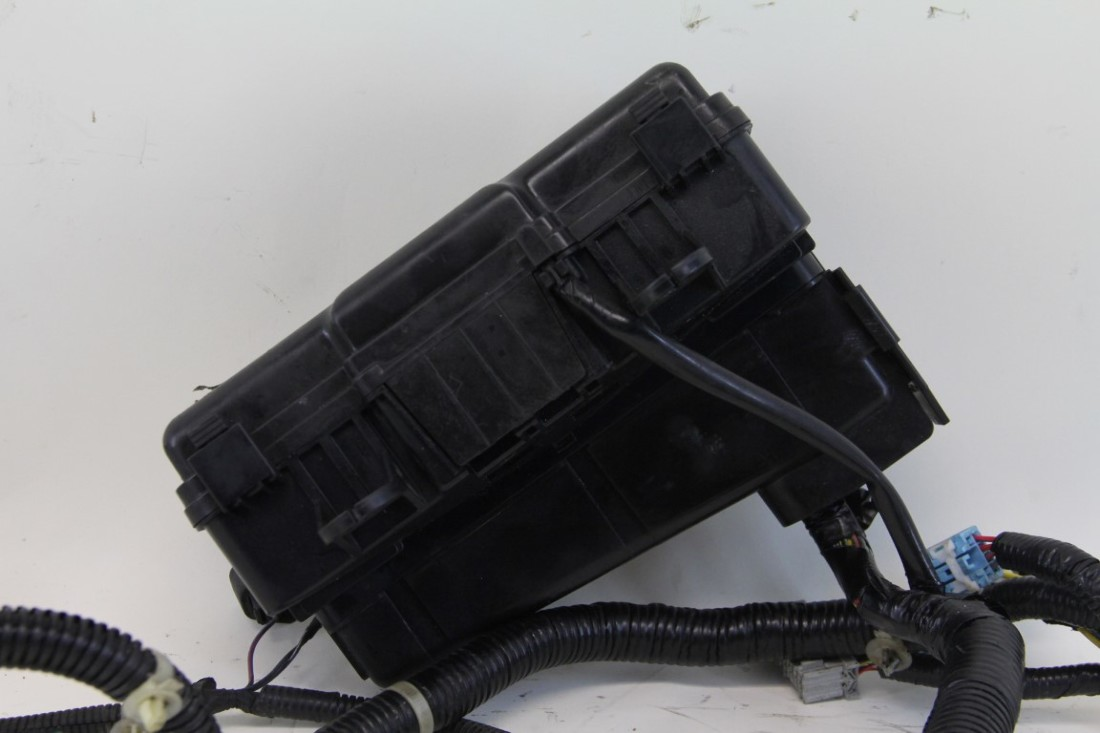 Honda S2000 Under Hood Fuse Relay Box W Wire Harness Factory Oem 2005