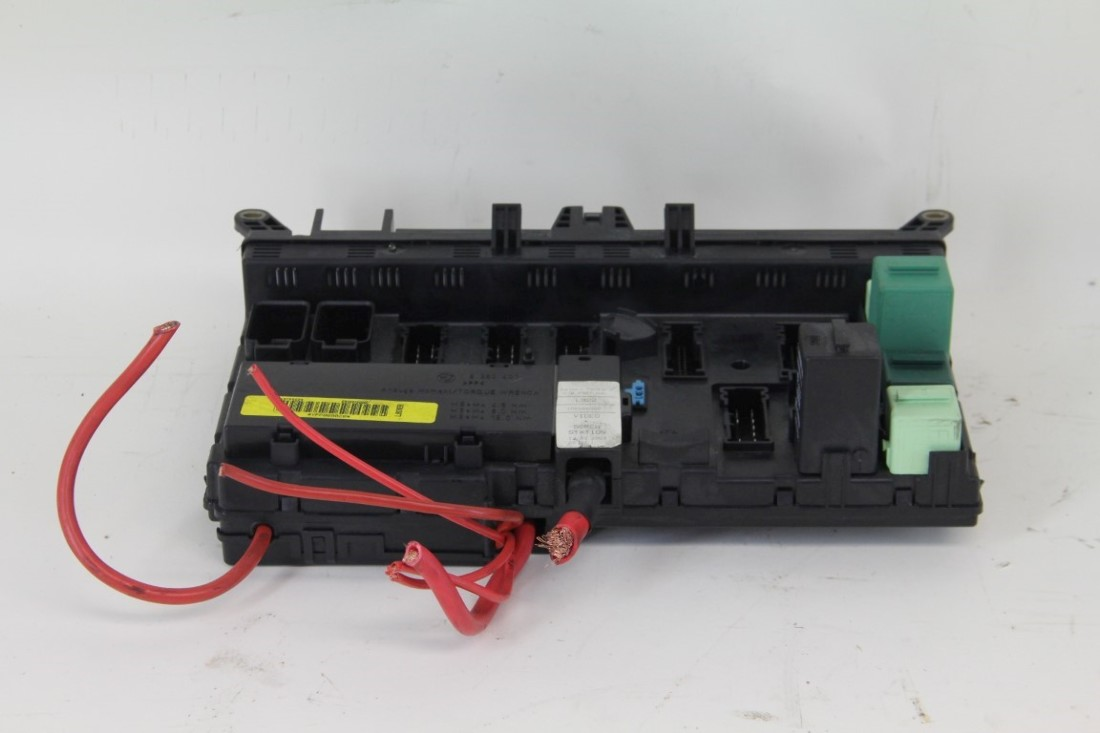 ... Land Range Rover Interior Inside Dash Fuse Relay Box YPP000020 OEM 03  04 05