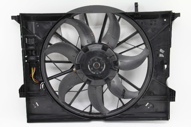 Mercedes Benz CLS500 Cooling Fan Assembly 7 Blade Shroud 2115001693 OEM 06