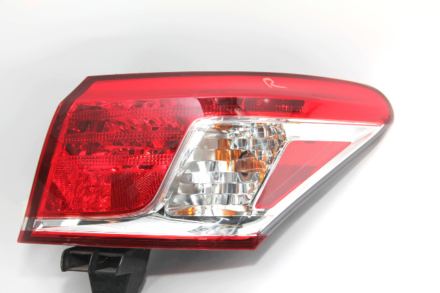 Lexus ES350 Taillight Lamp Body Rear Right/Passenger Side 81551-33470 10-12 A927 2010, 2011, 2012