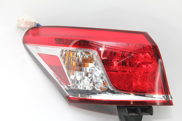 Lexus ES350 Taillight Lamp Body Rear Left/Driver Side 81561-33410 10-12 A927 2010, 2011, 2012