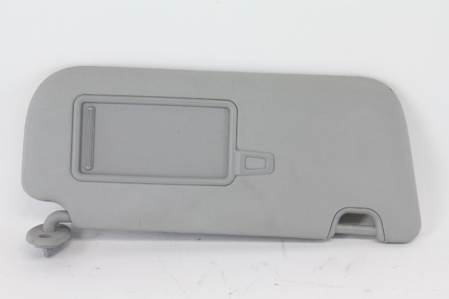 Kia Soul 14-15 Right Sun Visor Sunvisor Factory OEM 85220 B2240 Light Grey Gray
