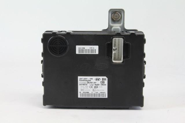 Hyundai Genesis 2011 Body Control Module Computer BCM Unit 95400-3M204