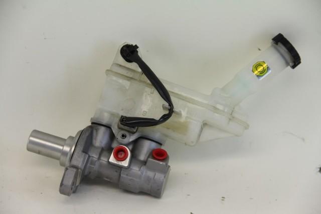 Nissan Cube Master Brake Cylinder D6010-1FE2D OEM 09 10 11 12 13 14